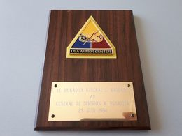 Blason Militaire Souvenir USA ARMOR CENTER Sur Bois 1994 & - Army & War