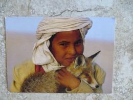 CPM Photographe Emmanuel Valentin Enfant Et Renard Fenec En Tunisie Ed Nouvelles Images - Künstlerkarten