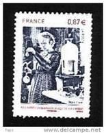 2011-N°524 M.CURIE.ANNEE DE LA CHIMIE. - Adhésifs (autocollants)