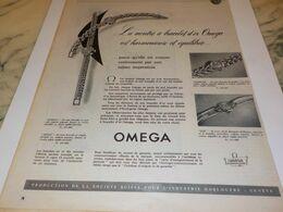 ANCIENNE PUBLICITE BRACELET D OR  MONTRE OMEGA  1954 - Bijoux & Horlogerie
