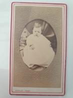 Cdv Ancienne Années 1800 Portrait D Un Bébé - Anciennes (Av. 1900)
