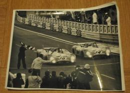 Grande Photo Pilotes Automobile Voiture Pescarolo Et Cevert Matra Simca 24 Heures Du Mans ?? - Automobile