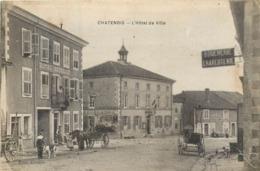 CPA 88 Vosges Chatenois L'Hotel De Ville - Boucherie Charcuterie Hotel Réveillé - Attelage - Café Bogard - Chatenois