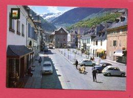CP (Ref : AA 889)  (ESPAGNE) N° 5169 PIRINEU CATALA Vall D'Aran Viella (Leida) Promenade Du Generalisimo (2 Cv 4L) - Lérida