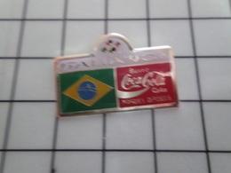615a Pin's Pins / Beau Et Rare / THEME : COCA-COLA / FOOTBALL COUPE DU MONDE 90 ITALIE DRAPEAU BRESIL - Telecom Francesi