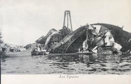 """Toulon ( Var ). - LOT DE 2 CPA VIERGES - Catastrophe Du """" Liberté """" Les Épaves - Le 25 Septembre 1911 - Disasters"""