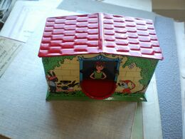 The Old Tin Box For Kids Doesn't Have A Key - Dozen