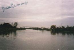 DEULEMONT 2 Photos Prise D' Une Péniche 1994   ( Péniches, Batellerie,canal, Pont ) - Sonstige Gemeinden