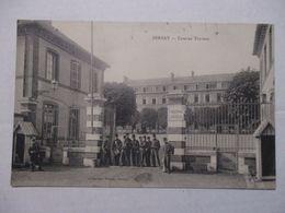 CPA CP EURE 27 BERNAY 1916 - CASERNE TURREAU / ENTRÉE / ANIMATION - BON ETAT - Bernay