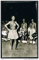 Dançarinos Dancers Jeune Femme Aux Seins Nus Black Nude Nu Girl Topless - Mozambique Moçambique (2 Scans) - Mozambique