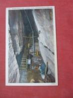 Moonshine Cave Chimney Rock  North Carolina >   Ref 4238 - Etats-Unis