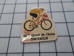 1320 Pin's Pins / Beau Et Rare / THEME : SPORTS / CYCLISME MAILLOT JAUNE COURSE 53e CIRCUIT DE L'AULNE CHATEAULIN - Wielrennen