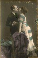 029 894 - CPA - Thème - Couple - Romantique - Serie - Laisse Moi T'aimer - Couples