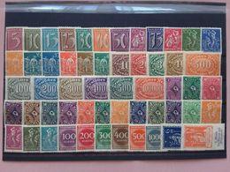 GERMANIA REICH Anni '20 - Lotto 55 Francobolli Differenti Nuovi */** + Spese Postali - Unused Stamps