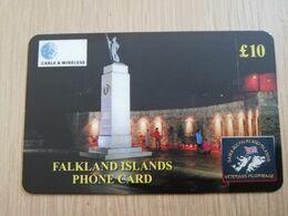 FALKLAND ISLANDS  10 POUNDS  LIBERATION MONUMENT AT NIGHT   PREPAID   **2747** - Islas Malvinas