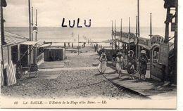 DEPT 44 : édit. L L N° 10 : La Baule L'entrée De La Plage Et Les Bains - La Baule-Escoublac