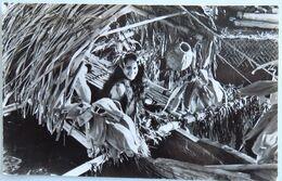 """C. P. A. : Tahiti : La Belle """"TIARE"""" De La Pirogue Fleurie - Tahiti"""