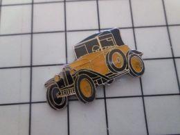 515a Pin's Pins / Beau Et Rare / THEME : AUTOMOBILES / Peut être Je Dis Bien Peut être Une CITROEN TREFLE JAUNE ET NOIRE - Citroën