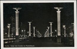 AK/CP Propaganda  Berlin Im Festschmuck    Gel/circ.1942   Erhaltung/Cond. 2  Nr. 01081 - Guerra 1939-45