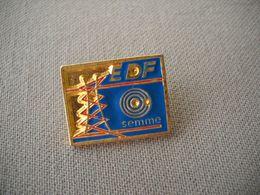 1835  Pin's Pins        EDF GDF    Semme     Pylône - EDF GDF