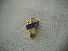 1841  Pin's Pins       AMPOULE   CLAUDE Basse Consommation - EDF GDF