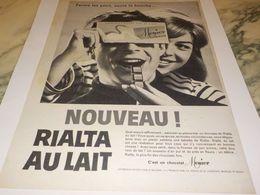 ANCIENNE PUBLICITE FERME LES YEUX  CHOCOLAT  MENIER 1959 - Affiches