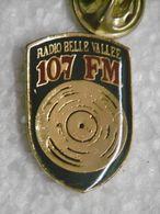 Pin's - Médias RADIO BELLE VALLEE 107 FM / LUXEMBOURG BELVAUX - Medien