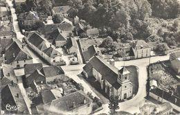 CPSM Eguilly-sous-Bois Vue Aérienne Sur L'Eglise - Andere Gemeenten