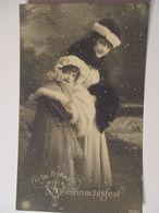Frauen, Kind, Weihnachten, Schnee, Fotokarte Ca. 1900  - Postcards