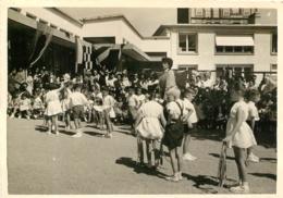 LE HAVRE MATERNELLE DES GOBELINS 1955 MME  HABY  PHOTO ORIGINALE 10 X 7 CM - Plaatsen