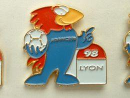 PIN'S FOOTBALL COUPE DU MONDE FRANCE 98 - FOOTIX - LYON - Calcio