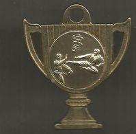 JC , Médaille , Sports De Combat ,KARATE , Coupe, 55 X 50 Mm , 2 Scans , Frais Fr 1.85 E - Martial Arts