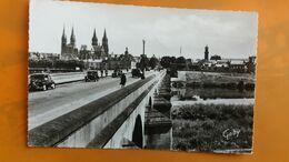 Moulins - Pont Regemorte - Cathedrale Et Eglise Sainte Croix - Moulins