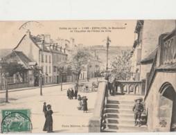 G9-12) ESPALION (AVEYRON) LE BOULEVARD ET ESCALIER DE L'HOTEL DE VILLE  - (ANIMEE - PERSONNAGES - VILLAGEOIS) - Espalion