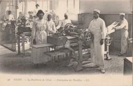 H5- 03) VICHY - PASTILLERIE DE L'ETAT - FABRICATION DES PASTILLES  -  (TRES ANIMEE - 2 SCANS) - Vichy