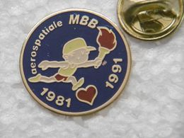 Pin's - Aérospatiale MBB Messerschmitt-Bölkow-Blohm (1981 - 1991) Sport Course à Pied Flamme Olympique Coeur - Space