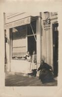 TROYES - MAGASIN - CREMERIE-EPICERIE - BELLE CARTE PHOTO ANIMEE - PEU COURANTE - 2 SCANNS -  TOP !!! - Troyes