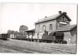 Photo J.H Renaud Format Cpa Crecy Sur Serre La Gare Et Le Train Tramway - Otros Municipios