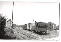 Photo J.H Renaud Format Cpa Assis Sur Serre La Gare Et Le Train Tramway - Otros Municipios