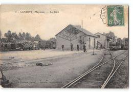 CPA 53 Landivy La Gare Et Le Train Tramway - Landivy