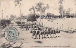 LAGHOUAT - Défile Des Troupes, Boulevard Du Nord - Laghouat