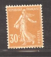 France  :  Yv  141a  **  Jaune Foncé - 1906-38 Säerin, Untergrund Glatt