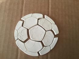 Rare Série Complète 7 Fèves Brutes LE BALLON DE FOOTBALL Puzzle / MH Moulin à Huile - Sports