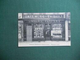 CPA LIBRAIRIE IMPRIMERIE THIBAULT FONTAINEBLEAU ETRENNES 1908 DEVANTURE RUE GRANDE  SUPERBE PLAN NEUVE EXC ETAT - Fontainebleau