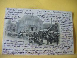 62 334 CPA 1902 - 62 ETAPLES. L'HOTEL DE VILLE. LE MARCHE - TRES BELLE ANIMATION. - Etaples