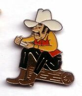 D276 Pin's Cow Boy Tabac Marlboro  USA Tabac Achat Immédiat Achat Immédiat - Marcas Registradas
