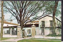 C. Postale - Milwaukee County War Memorial - Villa Terrace - Circa 1960 - Non Circulee - A1RR2 - Milwaukee