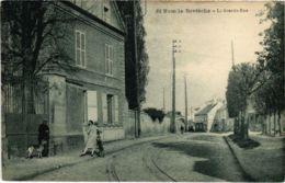 CPA St-NOM-la-BRETECHE - La Grande-Rue (103032) - St. Leger En Yvelines