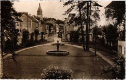 CPA SEPTEUIL - Vue Sur La Place Du Pave (103160) - Septeuil