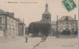 BETHENEVILLE - LA PLACE ET MAIRIE - Bétheniville